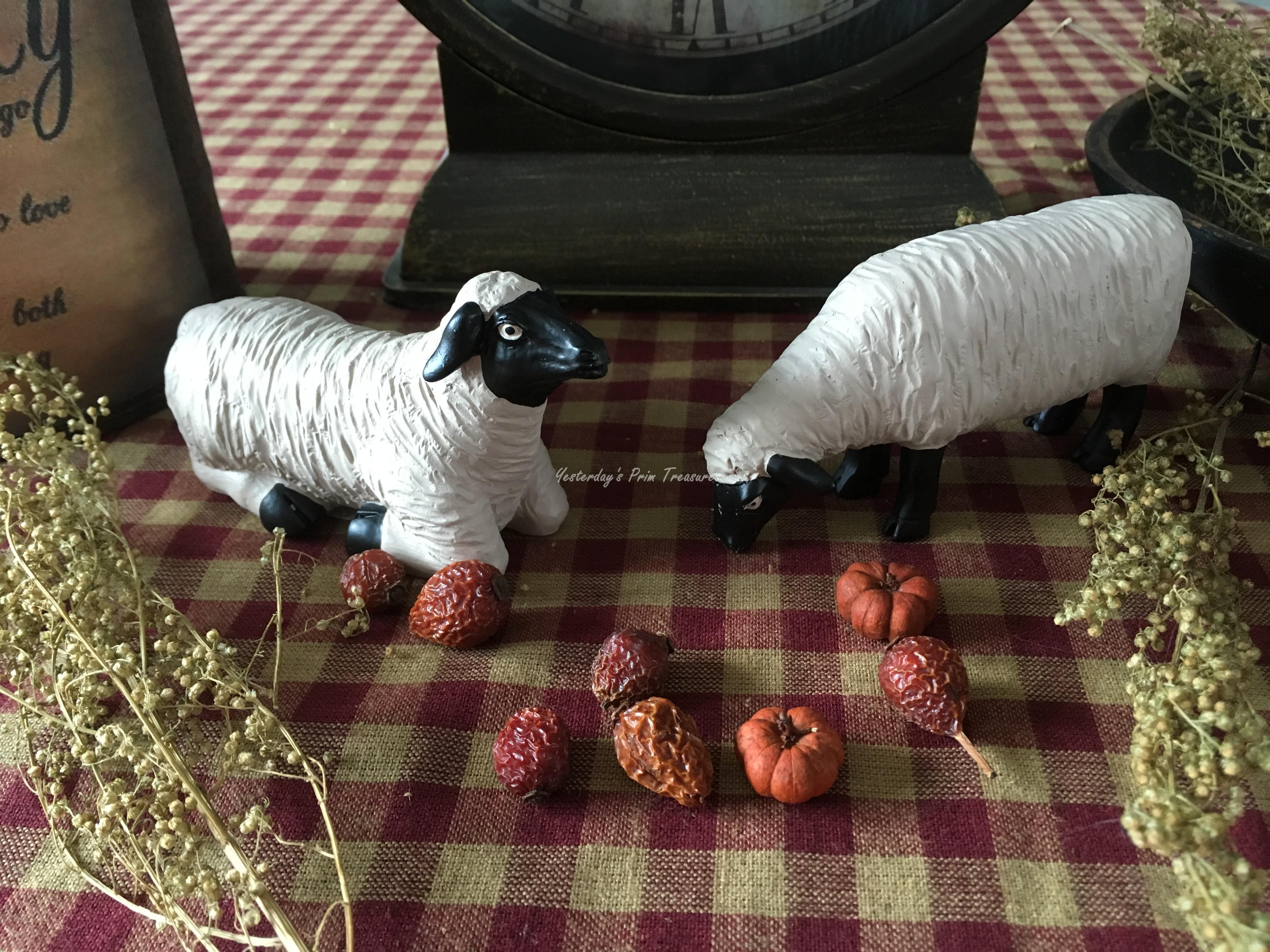 Primitive* Blossom Bucket* Sheep with Wreath /& Star* Shelf Sitter* Ornies*